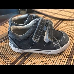 Toddler boy Sperry boat shoes size 4